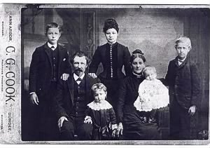 JOSIAH ELDER, with 1st wife EMILY TROMBLEY ELDER and her children, abt 1886.