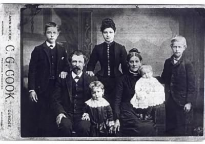 JOSIAH ELDER, with 1st wife EMILY TROMBLEY ELDER and her children, abt 1886.   - Fold3.com