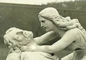 A sculpture depicting Edith when finding her husband's body slain on the battlefield.