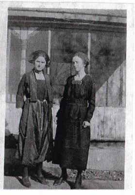 "Kathryn ""Cassie"" Lee Mosier Hauser and Ida Olena ""Idolene"" Mosier Hauser"