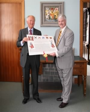 Clan Currie Society President receives Grant of Arms