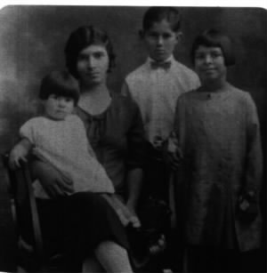 Cassie Lee Mosier [Hauser] and first 3 children