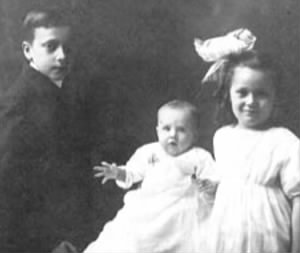 Children--Frank, Dwight and Lua Akers c 1885