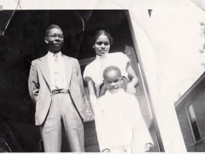 Ralph A. Penny with wife and son in St Louis, Mo.