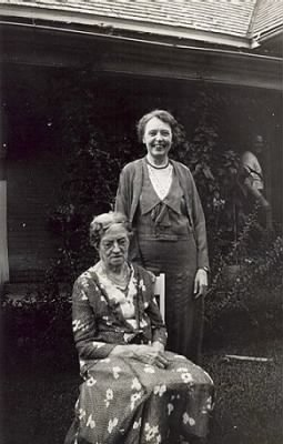 Mary Elizabeth Gray, nee Craycroft and her daughter Minnie Gray