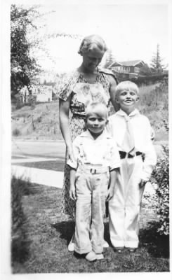Will,Charlie and Aunt Ethel.jpg - Fold3.com