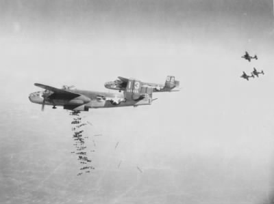 Dropping BOMBS [on the Germans] over Italy, 1944 /Dan P Bowling Photo - Fold3.com