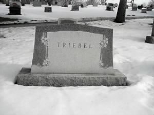 Grave of William Franklin and Dorothy Simmons Triebel