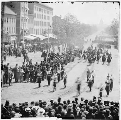 4388 - Washington, District of Columbia. The Grand Review of the Army. Infantry passing on Pennsylvania Avenue near the Treasury › Page 1 - Fold3.com