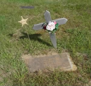 Perry Weekley Grave.jpg