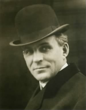 henry-ford-1863-1947-in-1904-everett.jpg