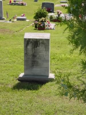 Frank Pitts tombstone Pic 1